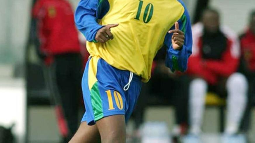 Jimmy Gatete scored the only goal as Amavubi stunned Ghana at Amahoro stadium to qualify for the 2004 AFCON finals in Tunisia. (File)