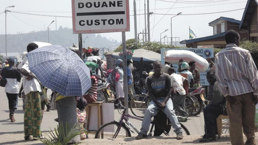 Exchange of goods and services has never been easy for people who live on the border between Rubavu District in the western parts of Rwanda and the city of Goma in the eastern Democratic Republic of Congo. (File)