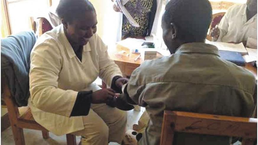 A man takes a voluntary HIV/ Aids test. (File)