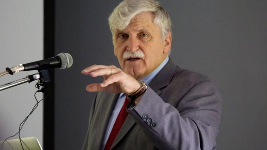 Retired Lt Gen Romeo Dallaire delivers a lecture on peacekeeping at Rwanda Peace Academy in Musanze District on Monday. (Timothy Kisambira)