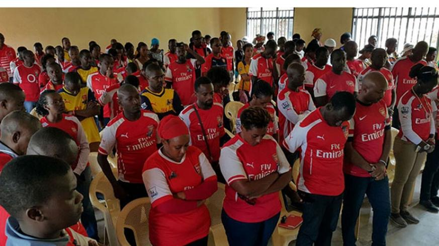 Arsenal fans hold a one minute silence in remembrance of the victims of the 1994 Genocide against Tutsi. (Courtesy photos)