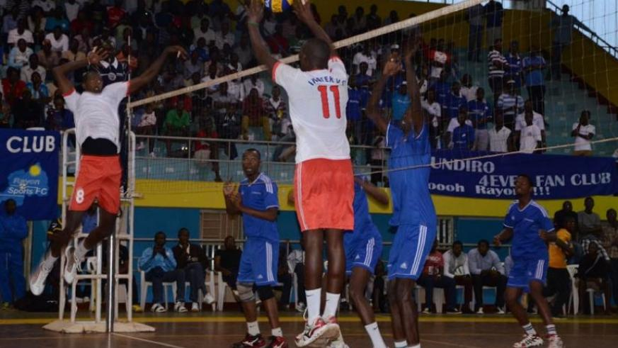 Inatek and Rayon Sport in a league game. (S. Ngendahimana)