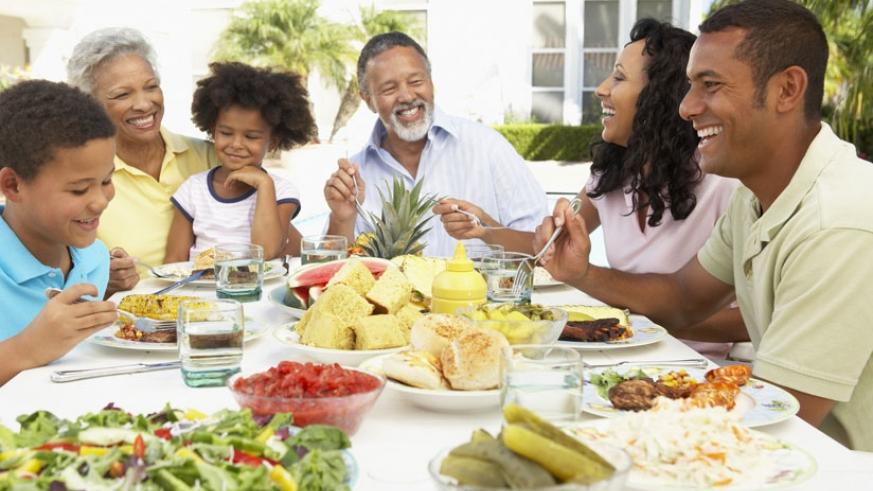 Nutritionists say specific foods should be incorporated into the diet of aging people to boost their health. (Net photo)