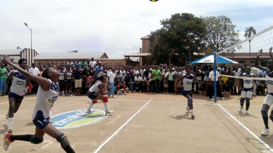 GS Indangaburezi's right-attacker Leah Uwinbabazi was outstanding in their victory over defending champions Kwanthanze of Kenya in the final yesterday. (R. Bishumba)