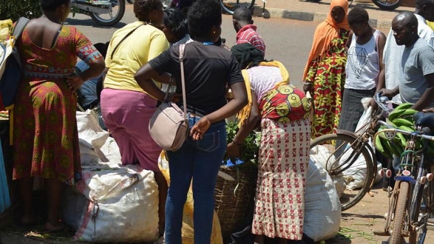 Vendors resorted to the street after being evicted. (Michel Nkurunziza)