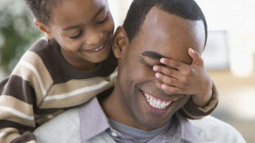 Failure to have a child can be solved by good counseling for the partners and good cooperation between them. (Net photo)