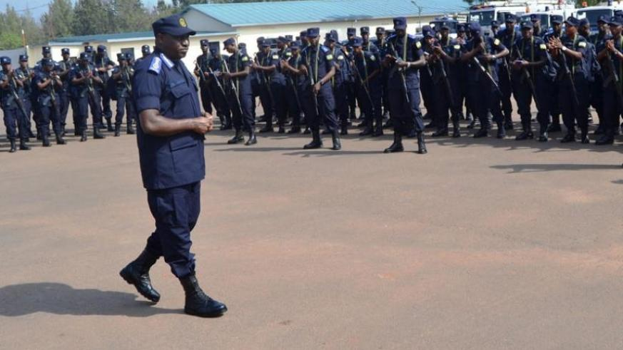 IGP Gasana briefs the FPU officers  at the Police headquarters in Kigali on Tuesday. (Courtesy)