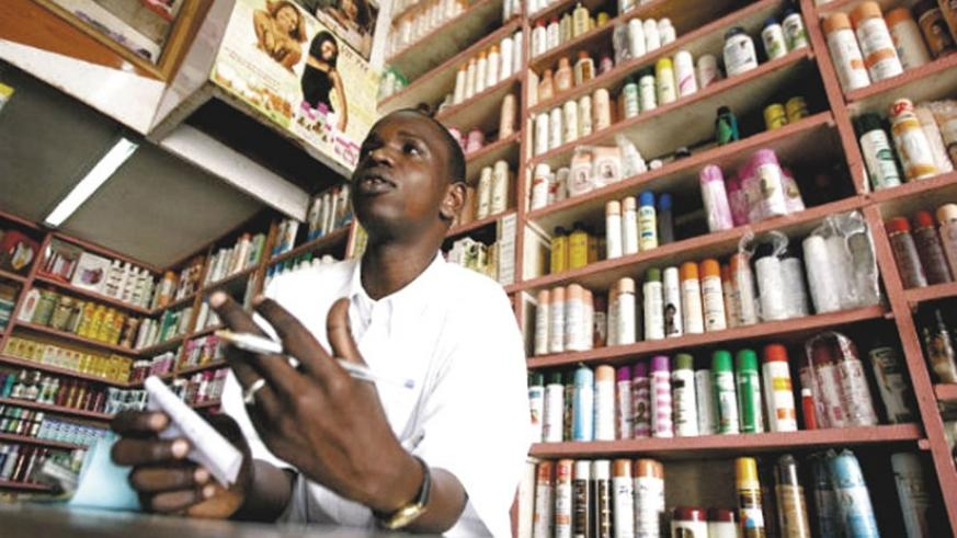 A shop attendant in a cosmetics store. Beware of the type of cosmetics you use as they could be counterfeit. (Net photo)