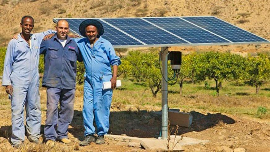 Farming community in Eritrea benefiting from solar pumping system. (Image credit: www.tesfanews.net)