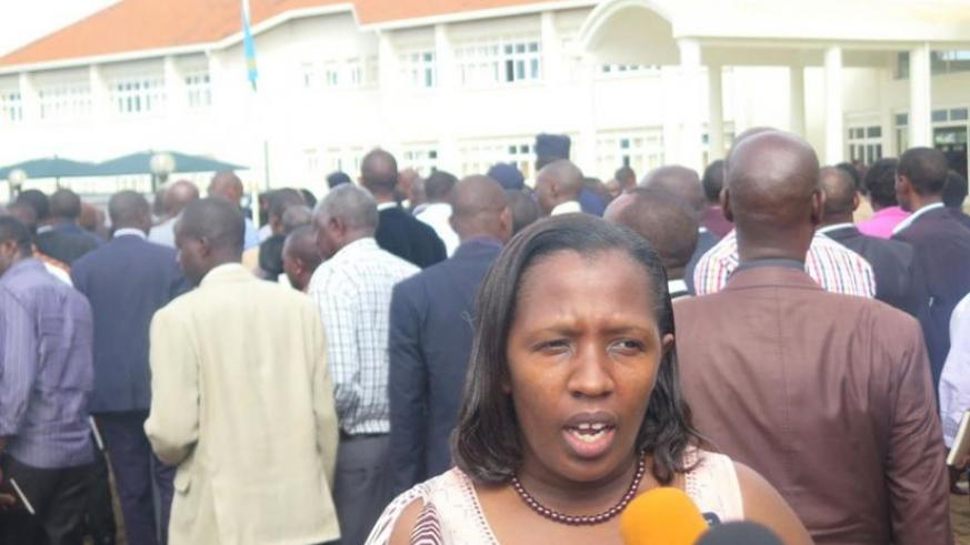 Governor Odette Uwamariya addresses the press at the provincial headquarters after the meeting. (S. Rwembeho)