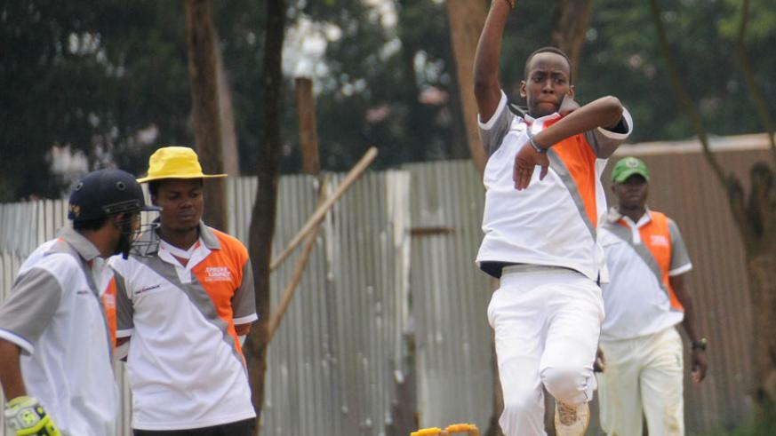 Right Guards paceman Freddy Ndayisenga in action on Sunday. (Courtesy)