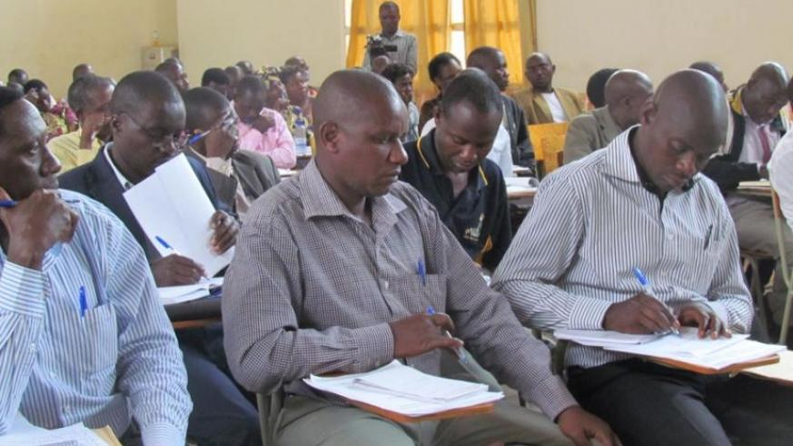EDC-L3 trained teachers on appropriate use of new materials.  (Frederic Byumvuhore)
