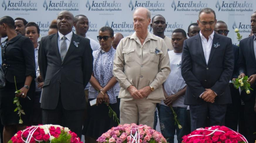 Prince Aga Khan (middle) pays his respects to the victims of the Genocide against the Tutsi at Kigali Genocide Memorial. (Timothy Kisambira)