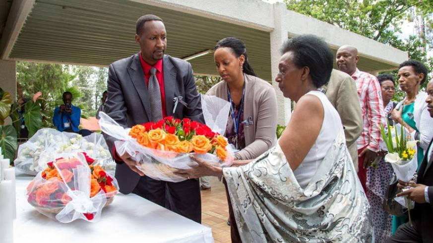 Relatives of UN staff that were killed in the 1994 Genocide against Tutsi lay wreath to pay tribute. (Doreen Umutesi)