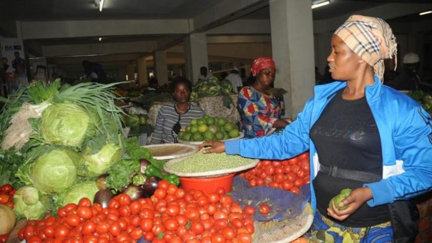 The prices of tomatoes, cabbage and peas are unchanged in most markets in the Eastern Province. (File)