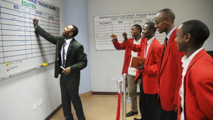 Dealers at the RSE trading floor during an earlier session. (File)
