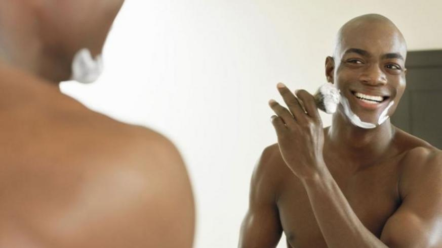 Shaving should be done carefully as exposing damaged skin to risk factors that cause boils. (Net photo)