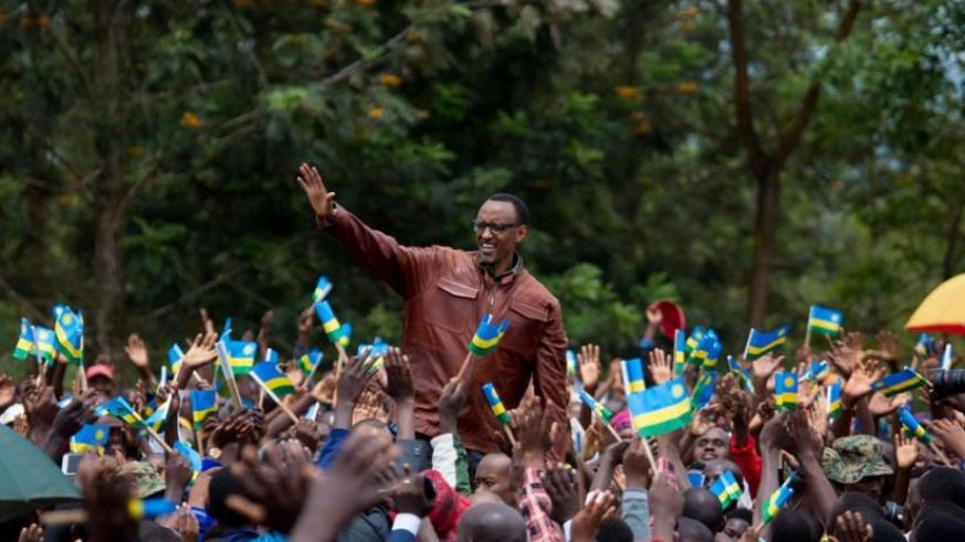 President Kagame waves to Ngoma residents during his visit to the district yesterday. (Village Urugwiro)