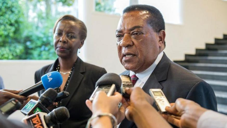 Tanzanian Foreign Affairs minister, Dr Augustine Mahiga (R) and Louise Mushikiwabo address the media in Kigali recently. (Courtesy)