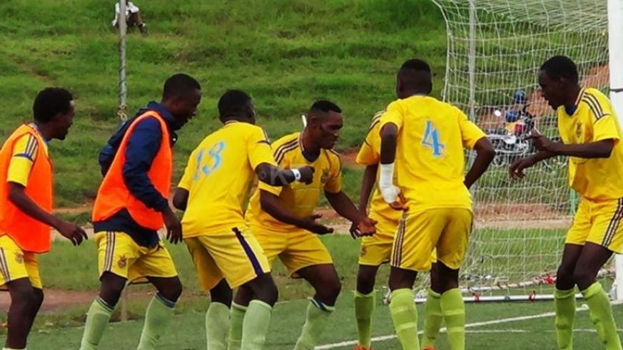 Bokoto (centre with face to camera) leads his teammates in celebrations after their second goal in AS Muhanga's 3-1 win over Etincelles on Tuesday. (Courtesy)