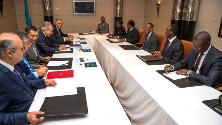 President Kagame meets with business leaders in Casablanca, Morocco. (Village Urugwiro)