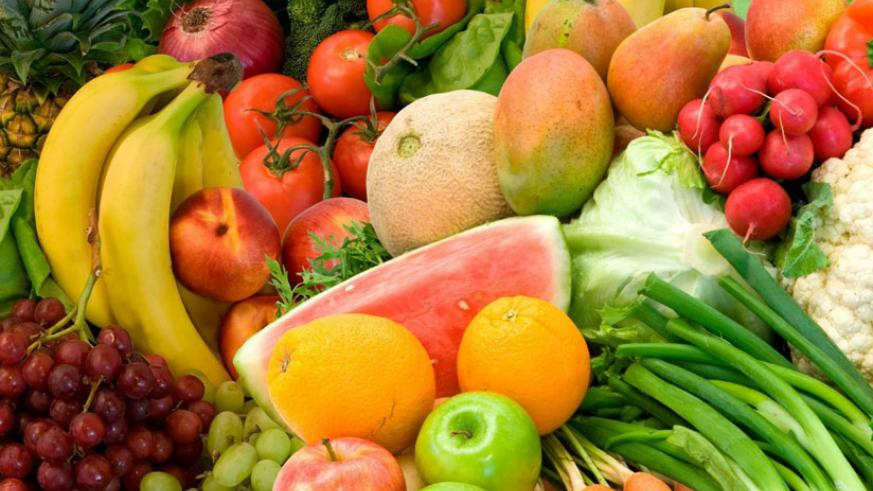 A diet rich in fruits and vegetables is highly recommended for proper functioning of the urinary tract. (Internet photo)