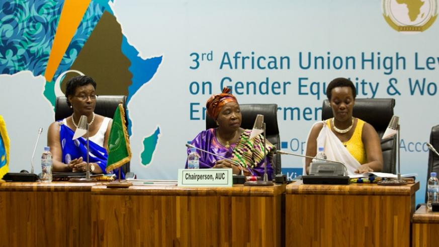 L-R: Speaker Donatille Mukabalisa, Dr Dlamini-Zuma and Gender minister Diane Gashumba at the meeting. / File.