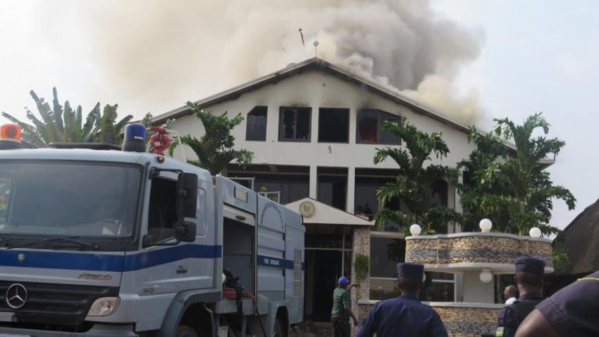 Police fire bridgade prepare to put out a fire at Luxury Hotel in Kimironko last year. / Nadage Imbabazi.