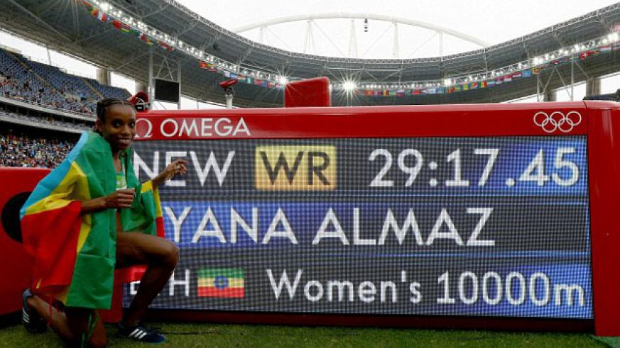 Ayana smashed the world record, finishing in a time of 29 minutes and 17.45 seconds. / Net photo