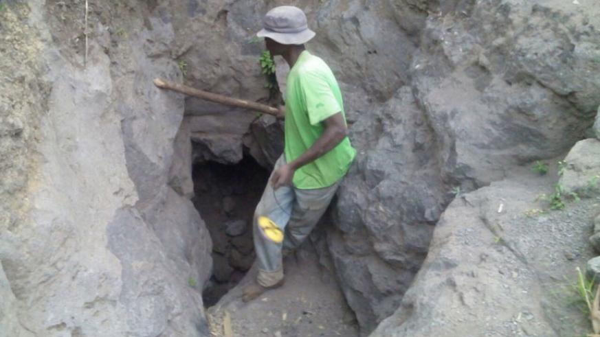 The entrance of Musanze mine where four  miners were trapped. / Regis Umurengezi.
