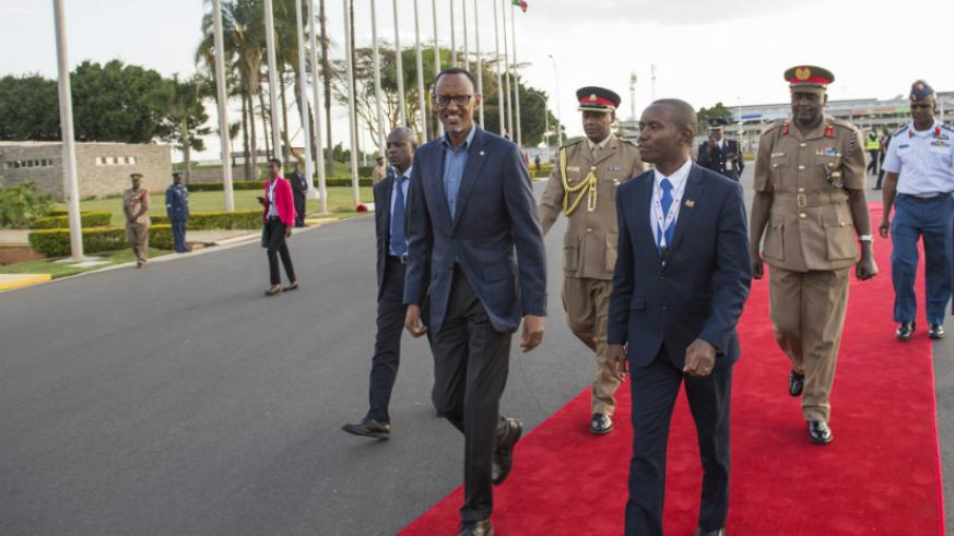 President Kagame arrives in Nairobi to attend the 6th Tokyo International Conference on African Development (TICAD). / Village Urugwiro.