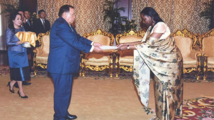 Ambassador Isumbingabo presenting her credentials in Laos on Tuesday. / Courtesy photo