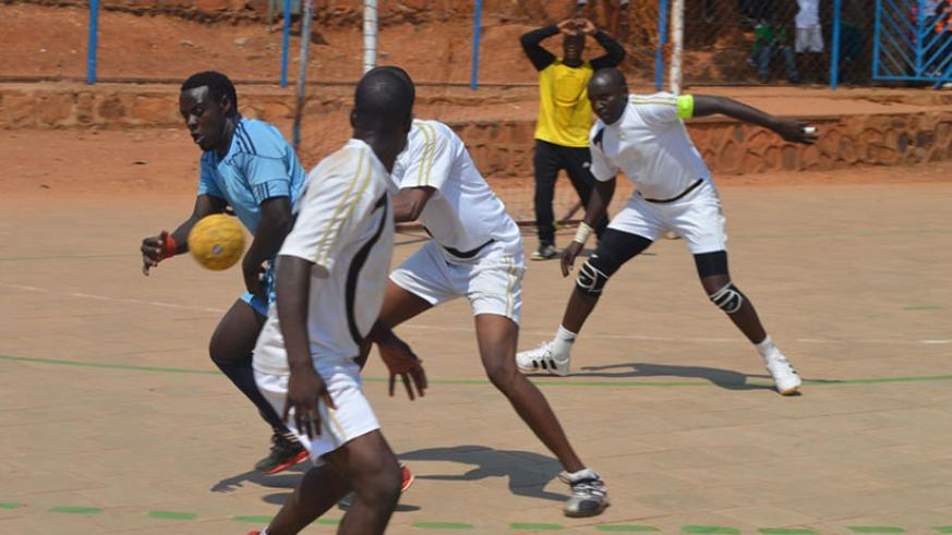 APR and Police handball club players in a past league game. / File