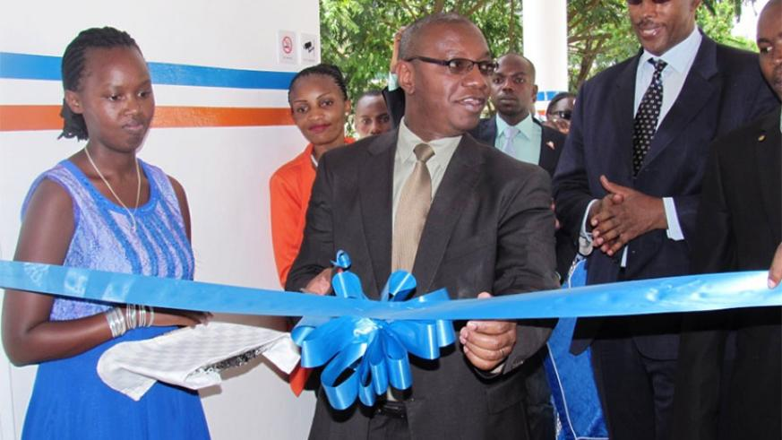 Dr Patrick Ndimubanzi, the State Minister in charge of Primary Health Care, inaugurating the facility. / Courtesy
