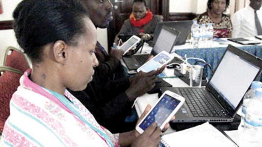 Use of mobile phones has been linked to radiation exposure. (Net photo)