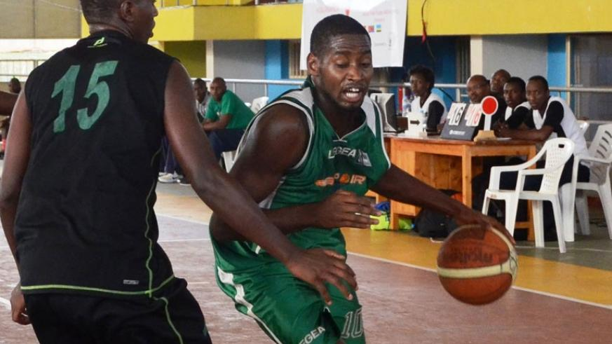 Shyaka (R) has cautioned his Espoir teammates to be focused when they face defending champions Patriots. (File photo)