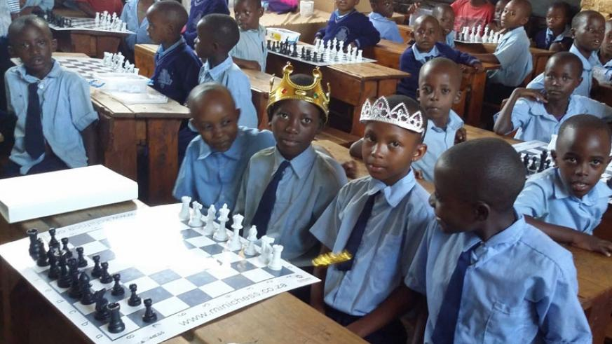 P.1 pupils during a Mini-Chess class at GS Kimisange primary school, one of the five in the pilot phase, in Kicukiro district. (Courtesy)