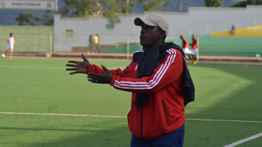 Kayiranga giving instructions on the touch line during his side's league encounter with APR last year. (Sam Ngendahimana)