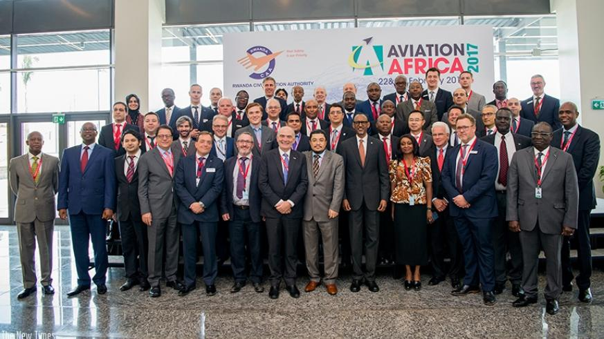 President Kagame in a group photo with some of the delegates attending the Aviation Africa 2017 forum in Kigali yesterday.  (Village Urugwiro)