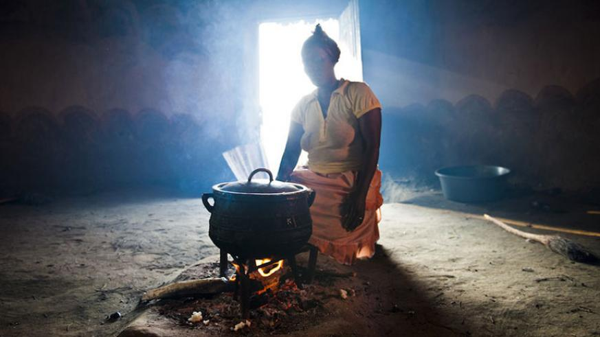 Smoke from using firewood is a major cause of pollution in many African homes. / Net photo.