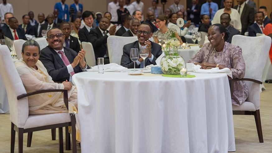 President Kagame and First Lady Jeannette Kagame host a State Banquet in honor of Prime Minister Hailemariam Desalegn and First Lady Roman Tesfaye on Thursday. / Village Urugwiro