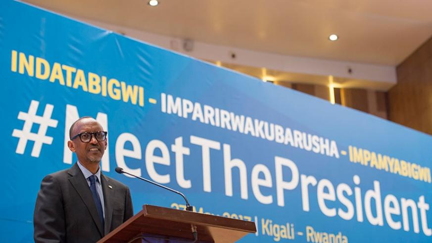 President Kagame speaks during the 'Meet The President' event which brought together sports personalities, journalists and artists. The President urged the audience to take advantage of the resources they have to develop their talents and country. Village Urugwiro.