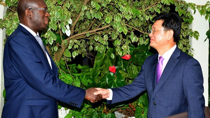 The Korean ambassador to Rwanda, Kim Eung-joong, on Thursday paid a courtesy call on Prime Minister Anastase Murekezi with whom he discussed the need for the two countries to further enhance bilateral cooperation.