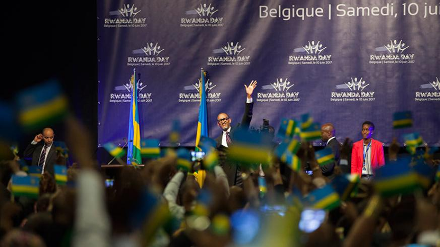 President Kagame waves to the thousands that turned up to listen to and interact with him in Ghent, Belgium on Saturday.(All photos by Village Urugwiro)