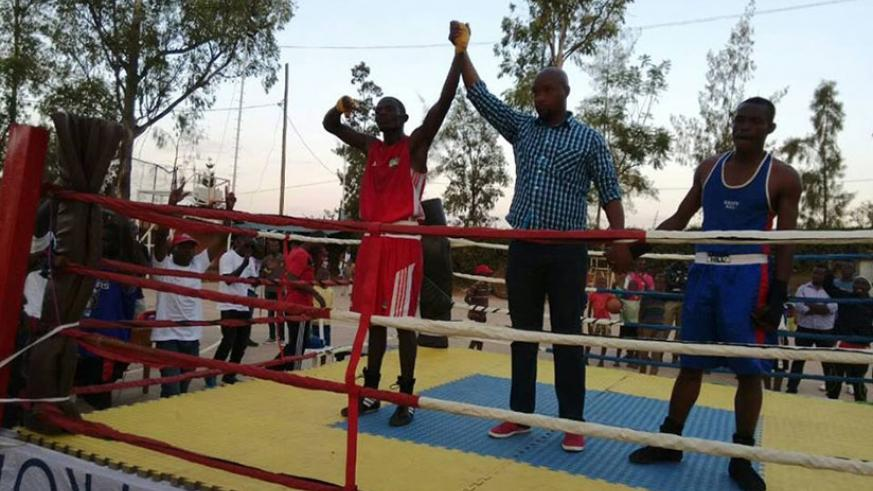 Jean Pierre Cyiza of Inkuba Boxing Club defeated Aron Emmanuel Bibutsuhoze in the 60kg bout to earn Gold in this year's Memorial Boxing Tournament. (Jejje Muhinde)