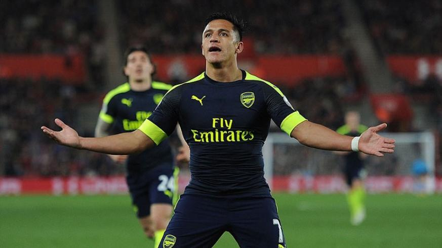 Alexis Sanchez celebrates after opening the scoring with a fine goal in the Premier League clash at St Mary's last season. (Net photo)
