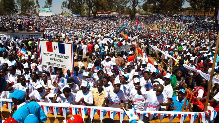 Ecstatic RPF-Inkotanyi supporters at the rally in Kamonyi District File