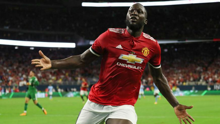 Romelu Lukaku celebrates after opening the scoring for Manchester United against Manchester City in Houston. / Internet photo