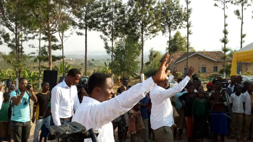 Habineza arrives at his rally venue in Gisagara District yesterday. / Jean d'Amour Mbonyinshuti