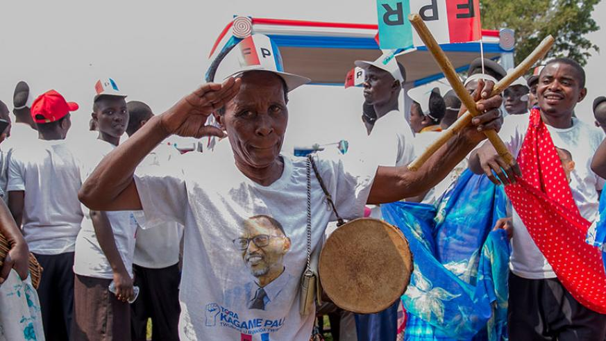 Jubilant crowds received the RPF-Inkotanyi candidate in Rusizi District, Western Province, yesterday. / Courtesy